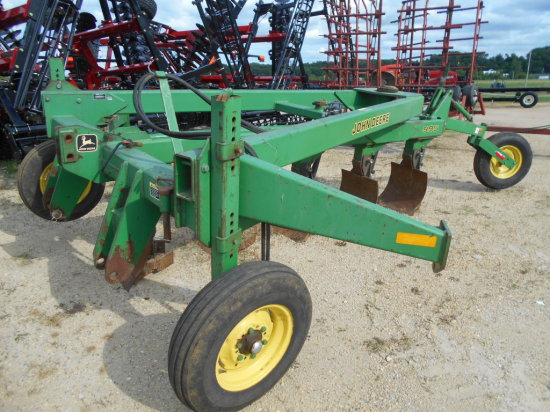 JD 995 5 Bottom Plow