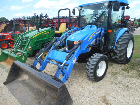 2009 New Holland TC3045 Boomer Tractor w/ Loader