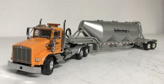 Kenworth T800 w/Cement Trailer