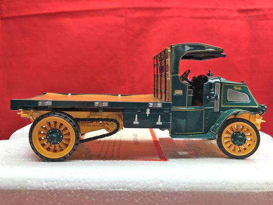 Mack 1916 AC Truck w/Flatbed