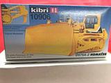 Komatsu D575A-2 Bulldozer Model Kit