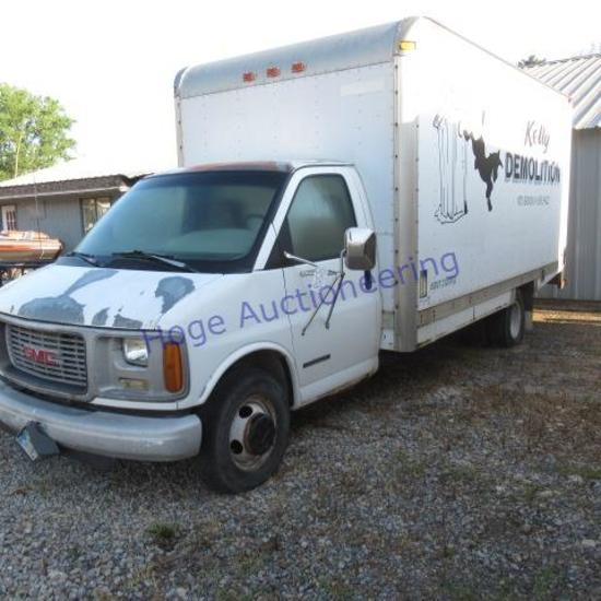 """""""2000 GMC Savana Cutaway Van G3500, gas 8X16ft cube van body, spring broke on door"""