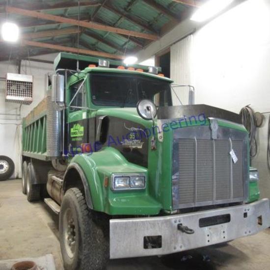 """1993 Kenworth dump truck, T800 model:  Construct T800, title says 50,000 GVWR"