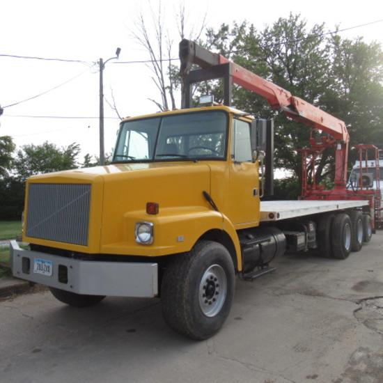 1990 Volvo form truck