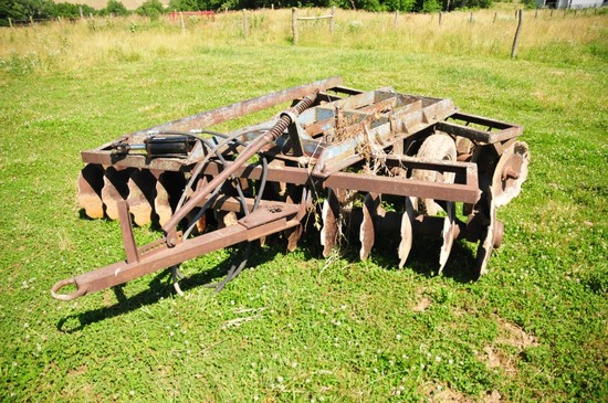 Ford 12 ft. offset disc. w/ notched blades