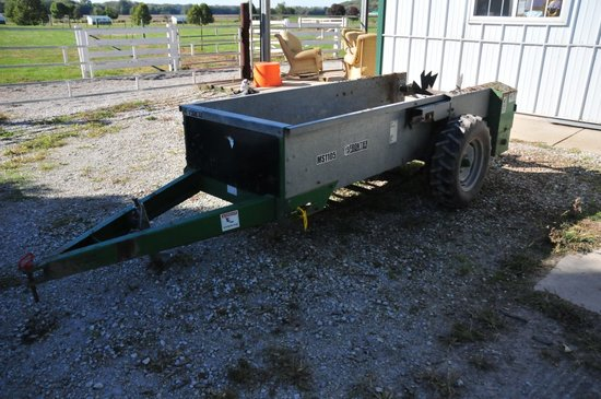 Frontier MS1105 ground driven manure spreader