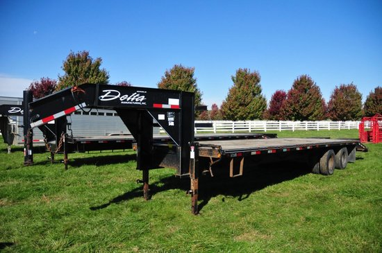 2008 Delta 8'x30' flatbed gooseneck trailer w/ 25' wood floor & 5' steel be