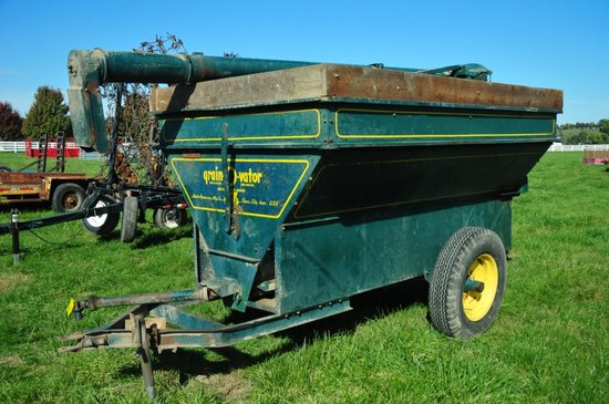 Grain-O-Vator, single axle auger wagon w/ rear self unloading auger