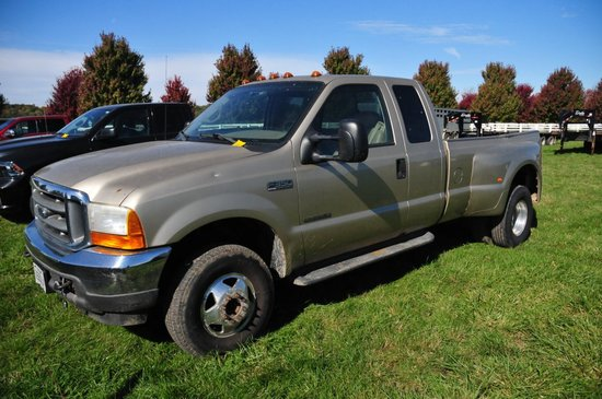 2001 Ford F350 Lariat Super Duty 4x4 super cab dually w/ 7.3 Powerstroke Di