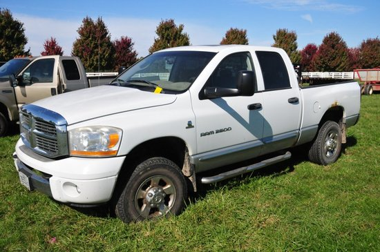 2006 Dodge Ram 2500 4x4 crew cab w/ 24V Cummins Turbo Diesel (needs work, h