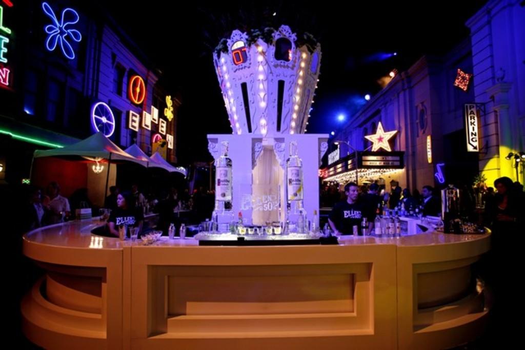 Carousel Crown Bar From Ellen Degeneres' 50th Birthday