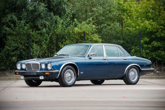 1988 Daimler Double Six Series III - Just 3,300kms