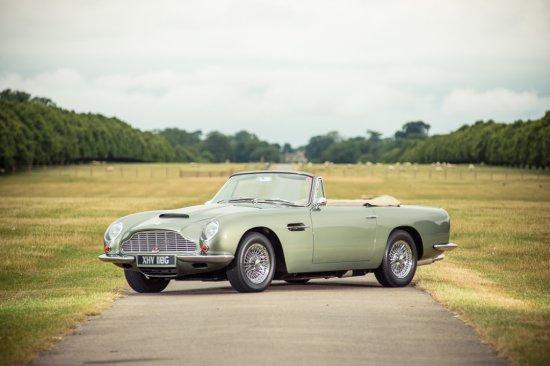1968 Aston Martin DB6 Vantage Volante