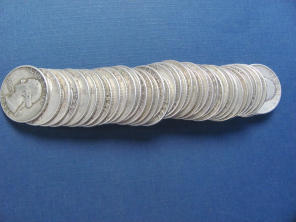 $Ten Dollar Roll of Silver Quarters All 1950's - Sorted But Not Searched - Weights 247.2 Grams