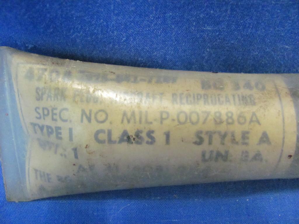 Military Aircraft Spark Plug NOS BG341  4708-2925-646-7957  MIL-P-007886A