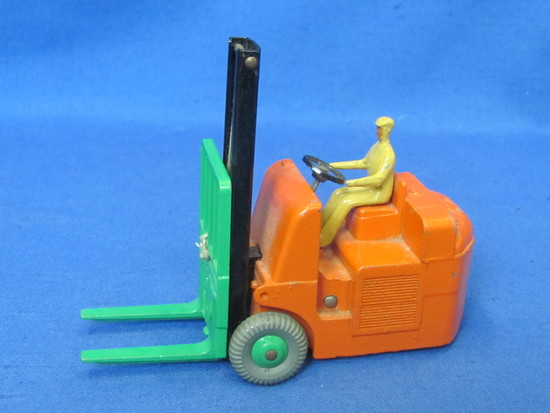 """Dinky Toys """"Coventry Climax Fork Lift Truck"""" by Meccano – Made in England – 4 1/4"""" long"""