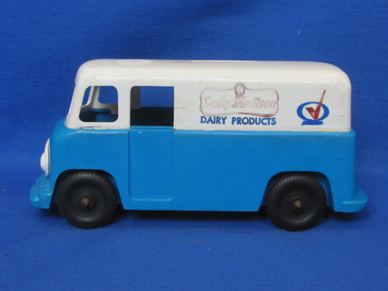 """Plastic Bank – Truck for """"Dolly Madison Dairy Products"""" - 7"""" long – Some damage"""