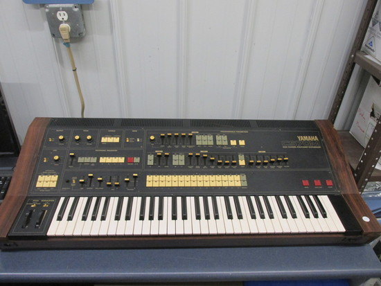 Yamaha CS70M Dual Channel Polyphonic Synthesizer -