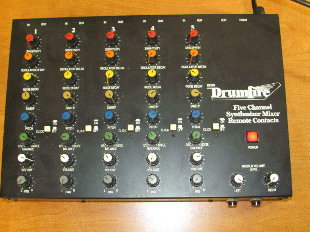 In-Line Effects / Drumfire DF500 Drum Synth / 1980's