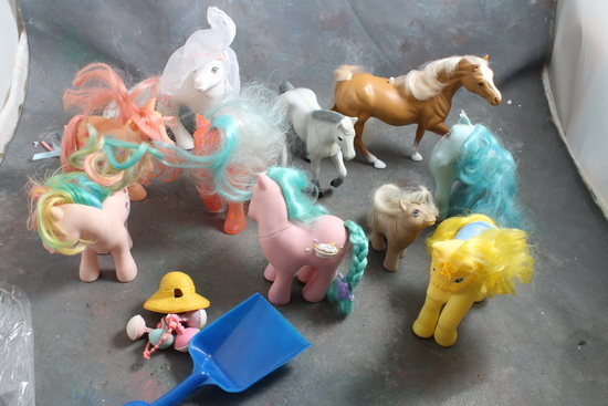 Large Lot 1980's My Little Pony Ponies & Accessories in Good Condition