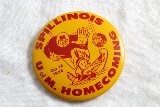 1958 U of M Gophers vs Illinois Homecoming Pinback SPILLINOIS  U of M