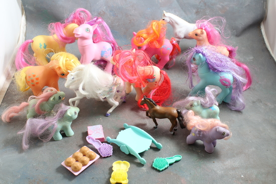 Large Lot of Vintage My Little Pony Ponies  All Look Good & Clean