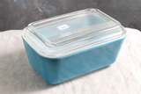 Vintage Pyrex Refrigerator 502-B Blue Container with Lid
