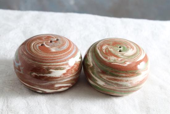 Desert Sands High Gloss Pottery Salt & Pepper Shakers no corks