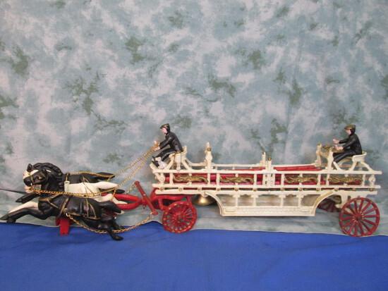 Cast Iron 3-Horse-drawn Fire Engine - Ladder Wagon : 3 Ladders, 2 Firemen 1 Dog