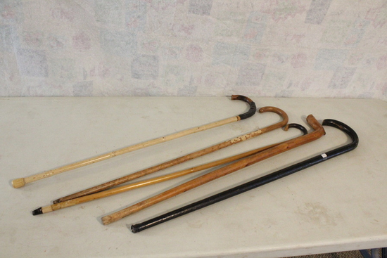 Lot of (5) Old Wooden Walking Sticks CANES One Stamped Sioux City Chamber