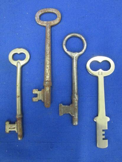 4 Vintage Skeleton Keys