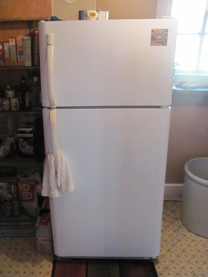 """Frigidaire Refrigerator White w/Freezer on top – 66 1/4"""" T x 30"""" W x 30"""" L"""