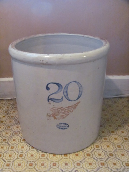 20 Gallon Red Wing Union Stoneware Crock Big Wing No Chips on Rim – Hairline