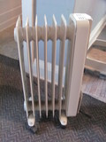 DeLonghi Space Heater Model 2507L – Seller says works
