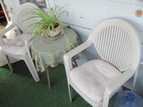 """2 Plastic Chairs & Round Wood Table (19"""" diam)"""