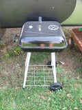 """Expert Brand Charcoal Grill 17.5"""" - Use for Camping/traveling/apartments – Newer"""