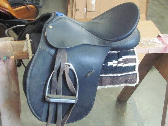 """Wintec 18"""" Black Leather Saddle w/stirrups – (see lot 13 for pad)"""