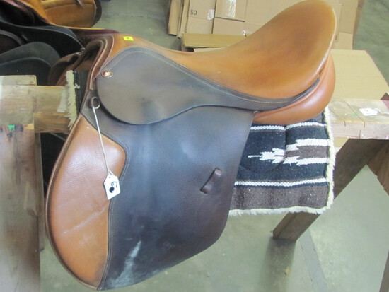 """18"""" Hunt Saddle – Brown Leather – (see lot 13 for pad)"""