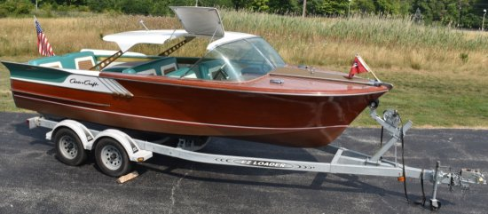 1961 CHRIS CRAFT 21' CONTINENTAL WOOD BOAT w/FINS