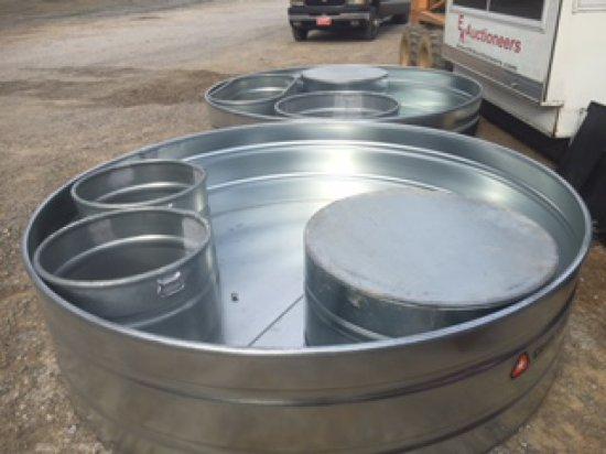 Tarter 8ftx2ft 700gal water tank