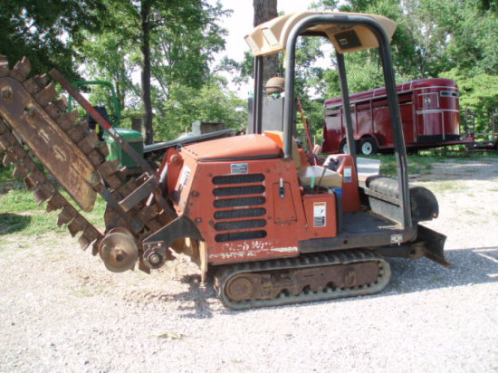 03 Ditch Witch track Trencher