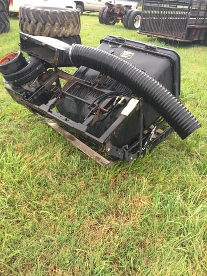 JOHN DEERE 3PT GRASS CATCHER/VAC W/GAS ENGINE
