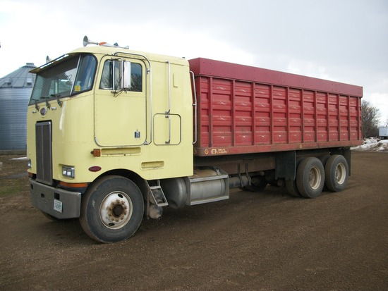 1989 Peterbilt 362 Grain Truck