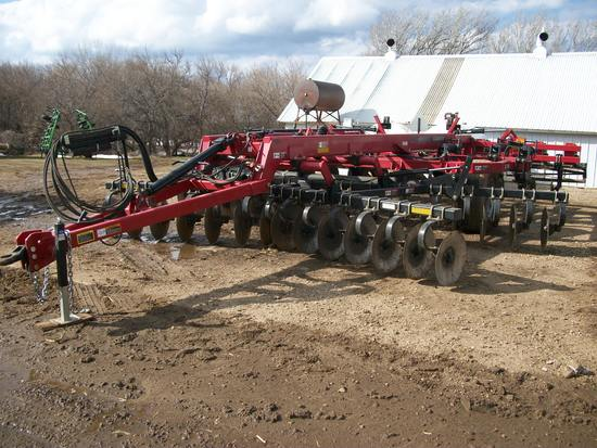 2013 Case IH 870 Ripper 9-shank, 18'
