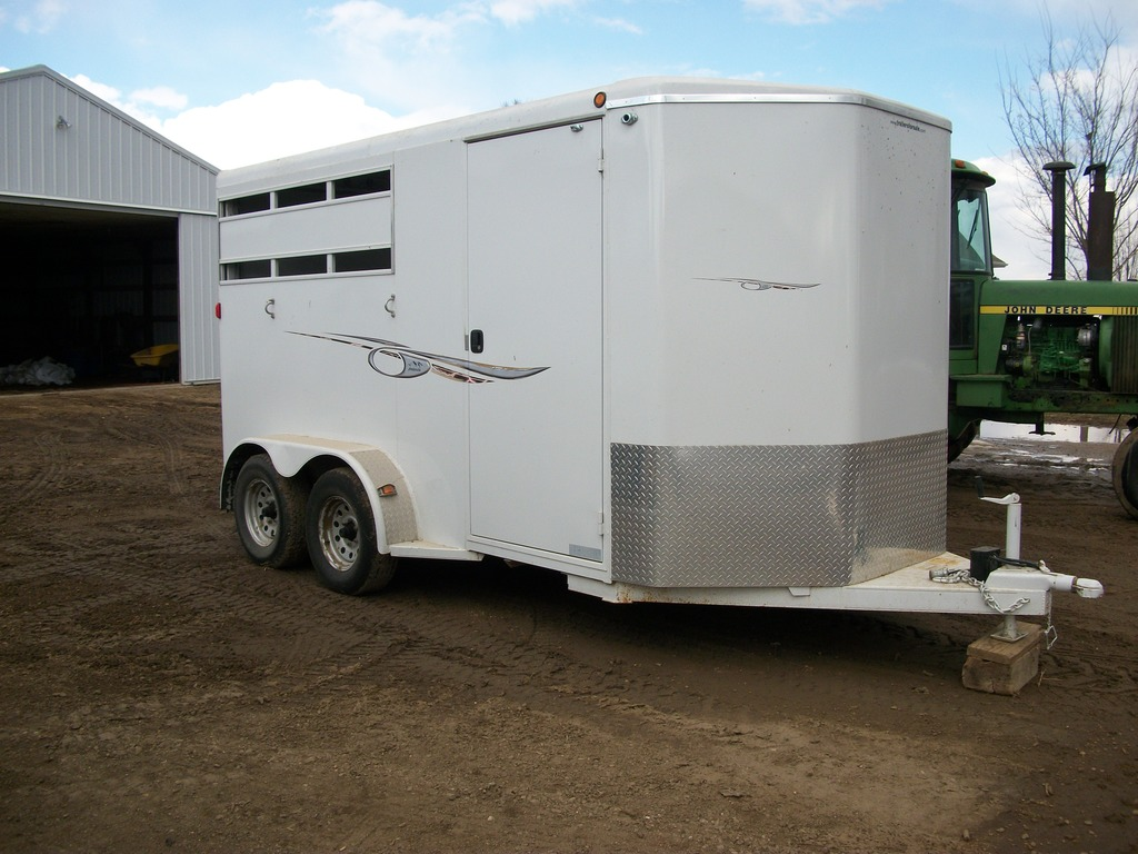 16' Avalanche Tandem Axle Horse Trailer