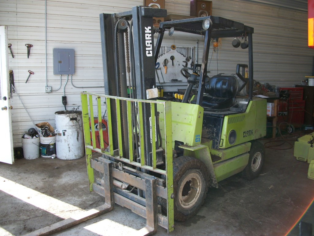 Clark GPX20 Fork Lift- LP