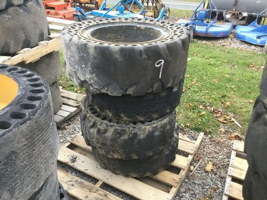 36.5X12-20 SOLID TIRES AND WHEEL