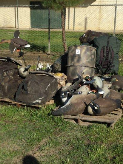 (200 Approx) Duck Decoys, Goose Decoys w/ Decoy Bags