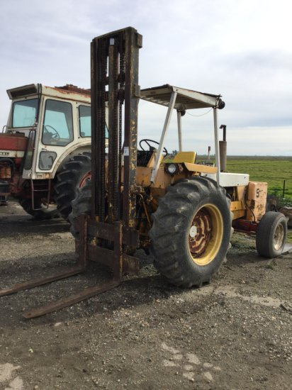 International 4500 Rough Terrain Forklift, Diesel
