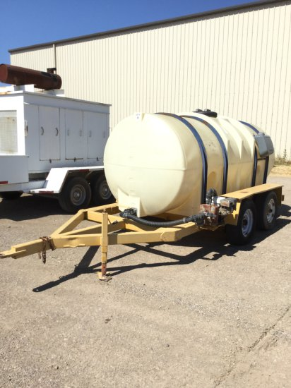 1800 Gallon Dual Axle Nurse Trailer